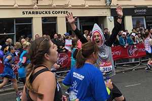 Shark Trust Managing Director, Paul, running the London Marathon
